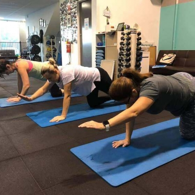small group training planking